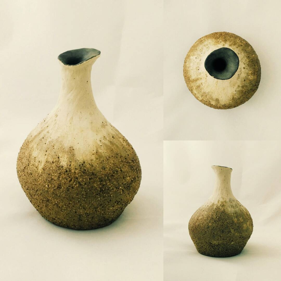 Desert Blossom  A taste of water Once again my parched soul wakes Rising from the sand  A lovely Sunday afternoon spent in the company of an old friend who brought home this raku/stoneware vase. So grateful that art brings people together.  #raku #pottery #poetry #handmade #ceramic #vase by #studioasobi #madeinsg